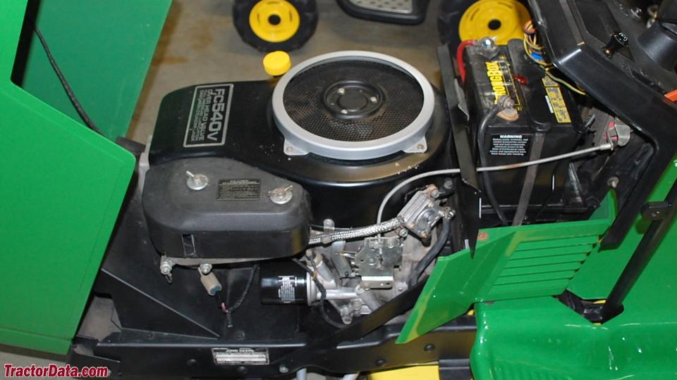 John Deere 185 engine image