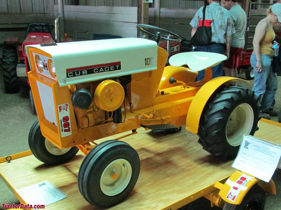 Tractordata Com Cub Cadet 100 Tractor Photos Information
