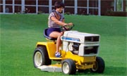 Cub Cadet 1100 lawn tractor photo