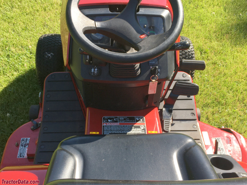Toro GT 550 operator station and controls.