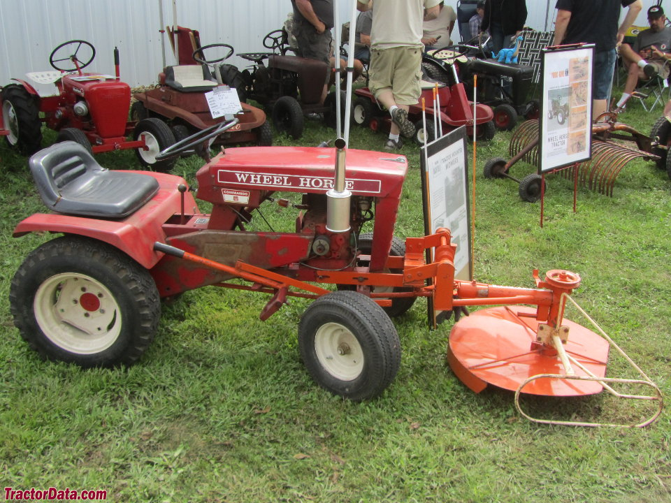 Wheel Horse Commando 6 with front mower.