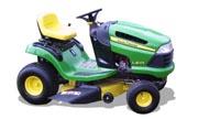 John Deere LA105 lawn tractor photo