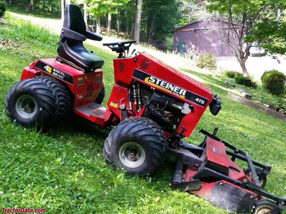 Steiner 415 with front-mount mower.