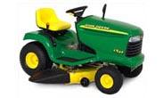 John Deere LT133 lawn tractor photo