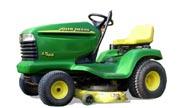 John Deere LT166 lawn tractor photo