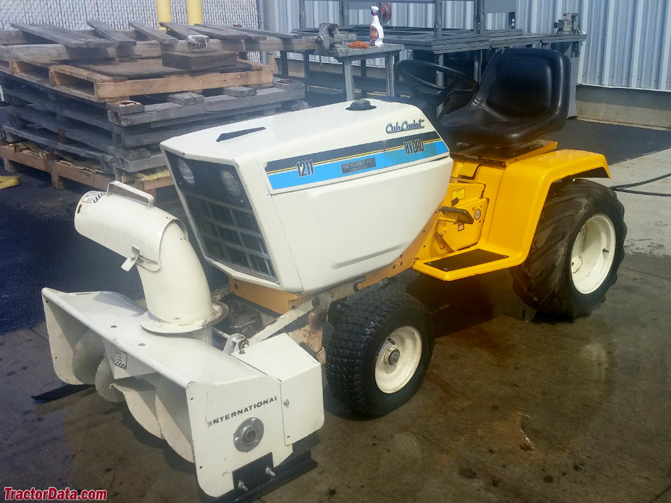 Cub Cadet 1211 with snowblower.