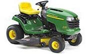 John Deere L107 lawn tractor photo