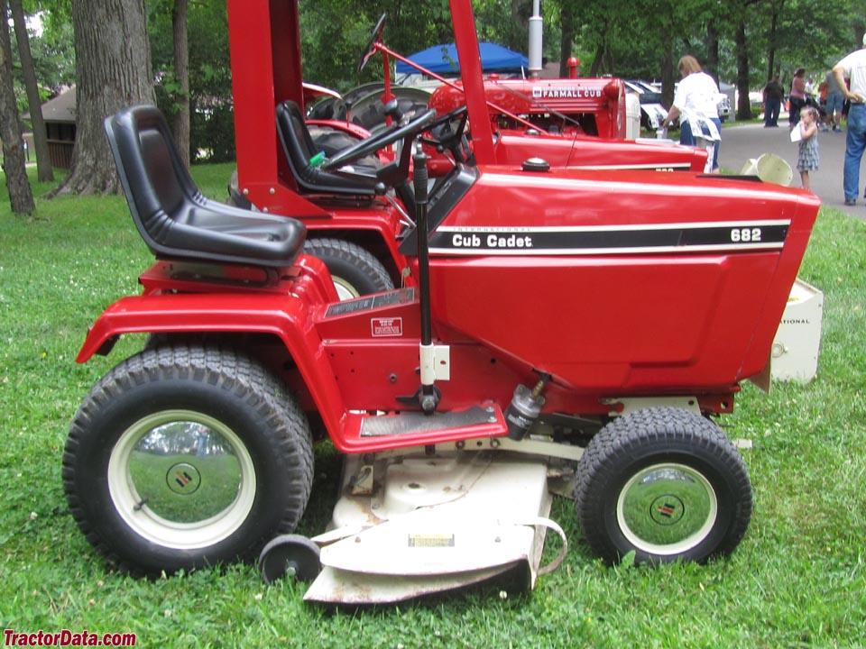 Tractordata Com Cub Cadet 682 Tractor Photos Information