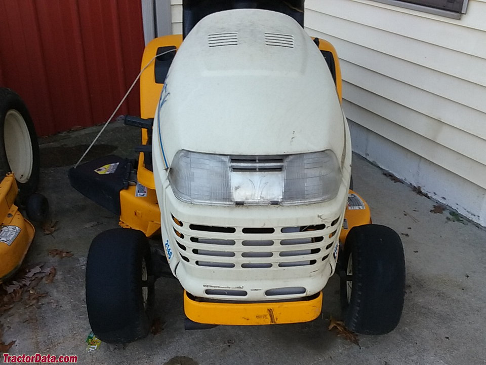 Front view of the Cub Cadet 2146.
