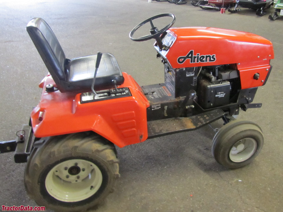 Ariens GT17 with plow.