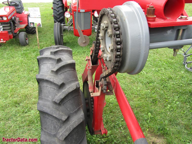 Tractor Chain Drive : Tractordata le sueur pioneer power show