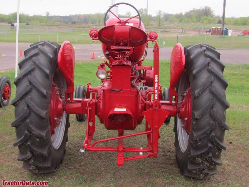 Little Falls Farmall Side Hill Hitch on Vintage Farmall Tractors