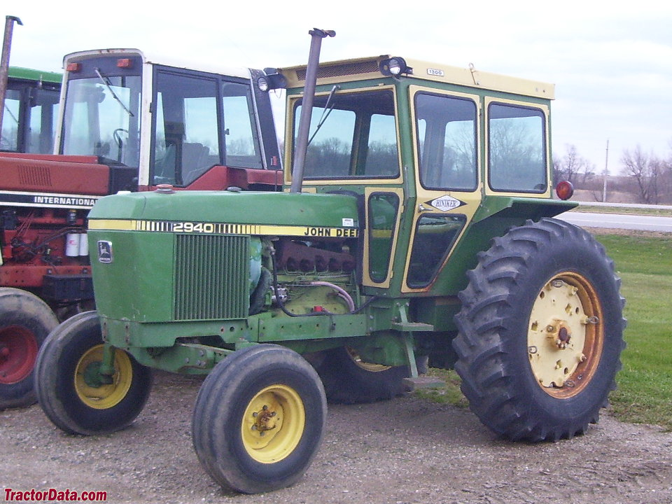 Deere 2940 with after-market cab