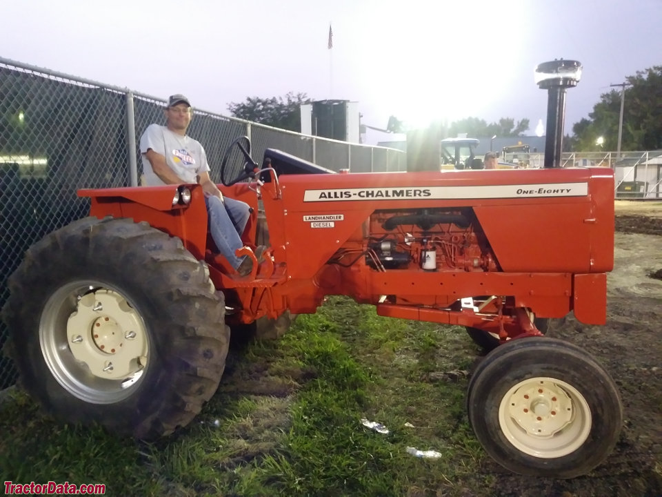 Wide-front Allis-Chalmers 180.