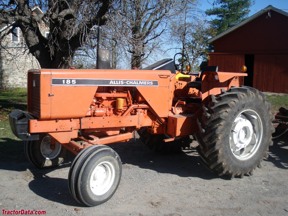Allis-Chalmers 185, left side.