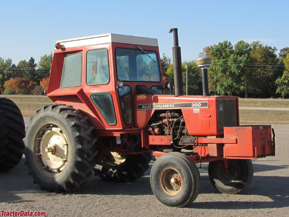Allis-Chalmers 200 with cab.