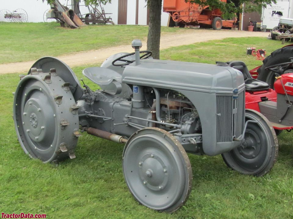Ford 2N with steel wheels.