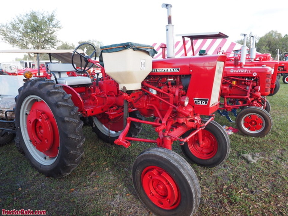 International Harvester 140