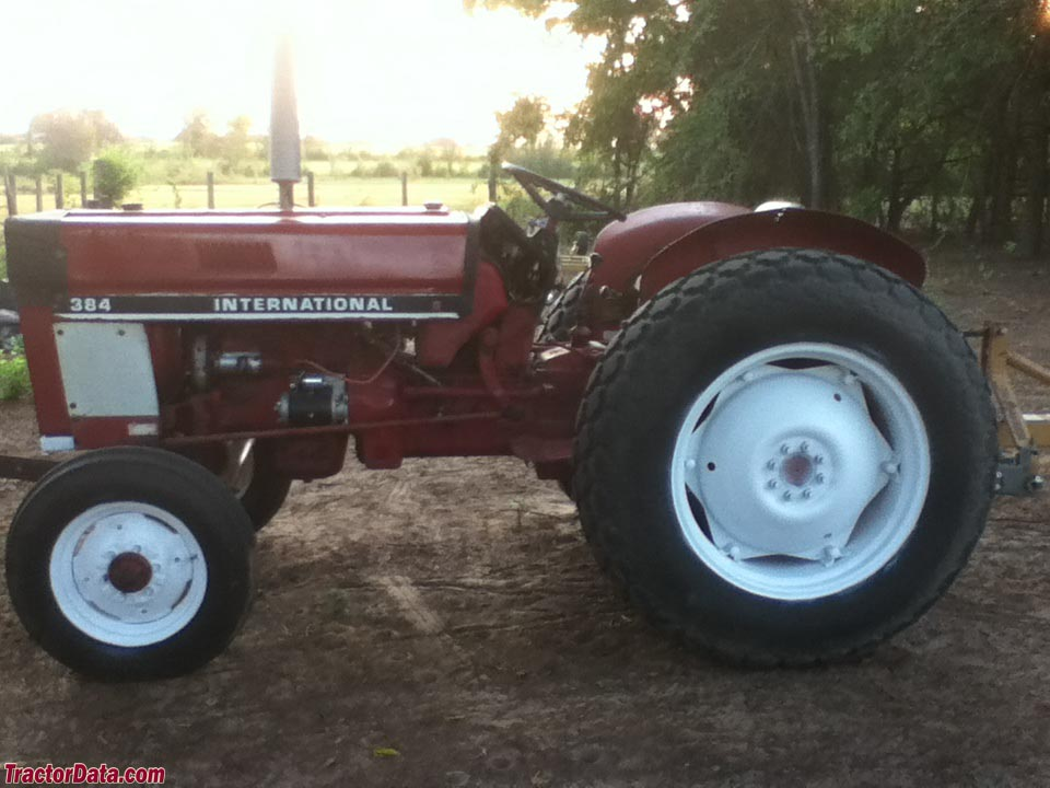 International Harvester 384
