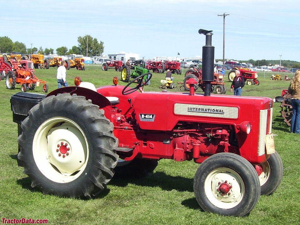 International Harvester B-414