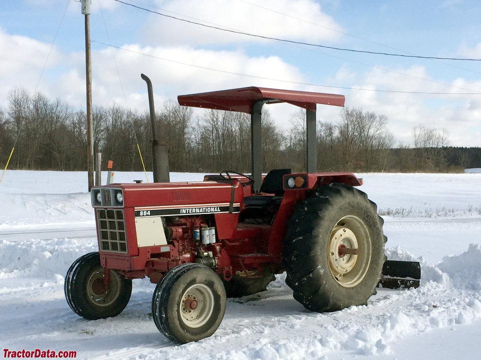 International Harvester 884