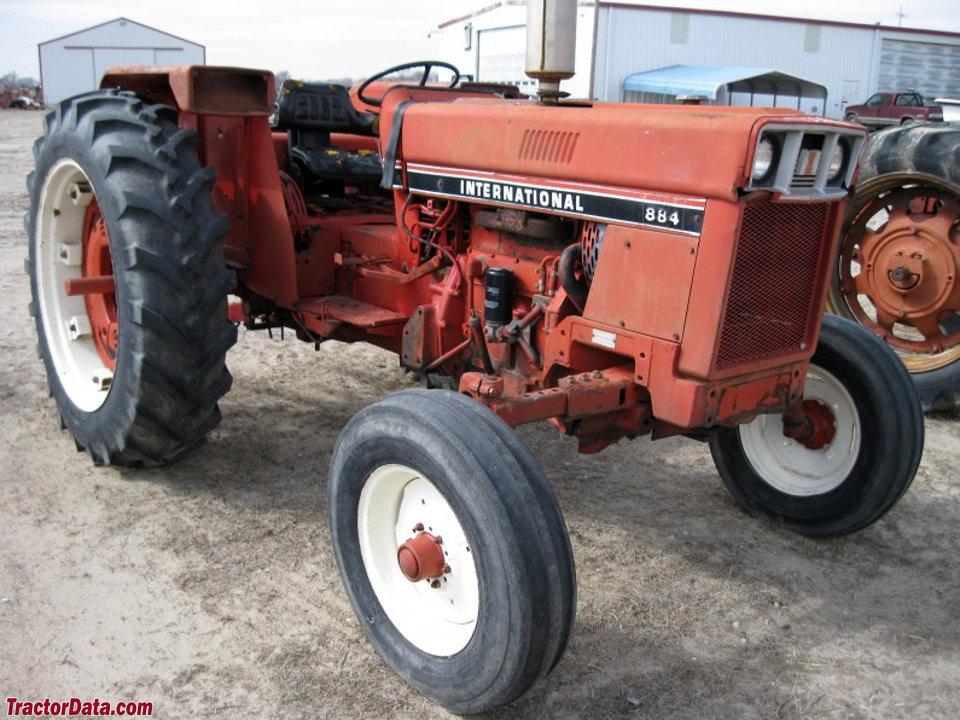 International Harvester 884.