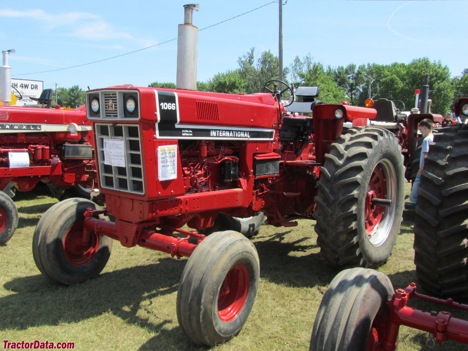 International Harvester 1066