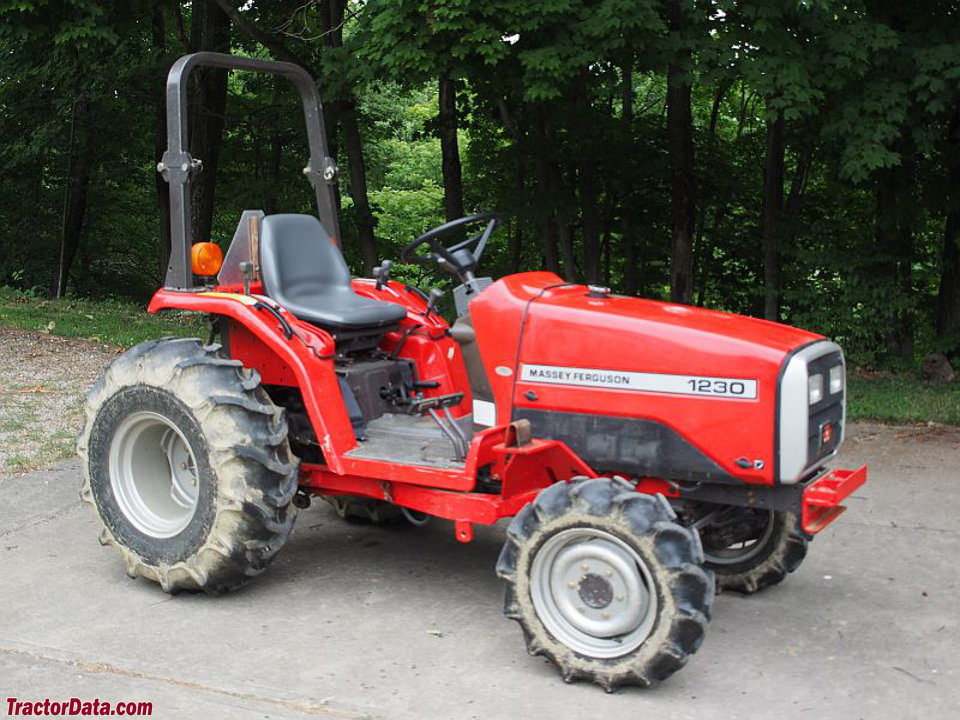 Massey Ferguson 1230, right side.