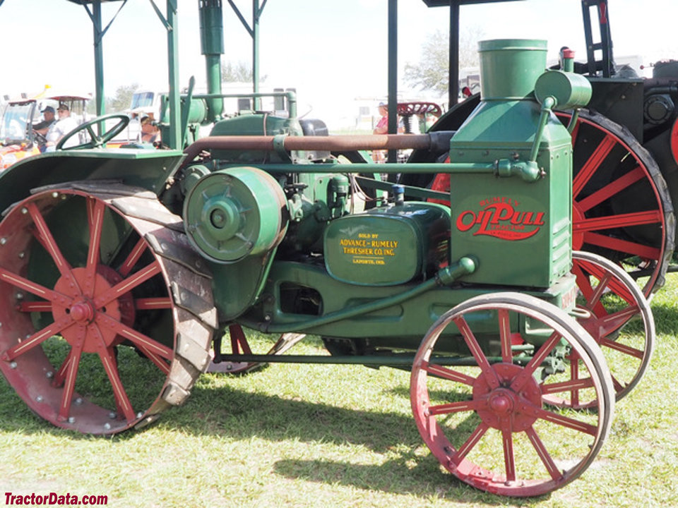 Advance-Rumely W, right side.