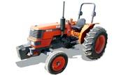 Kubota M5400 tractor photo