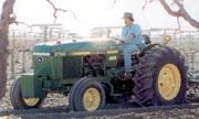 John Deere 2750 Low-Profile tractor photo