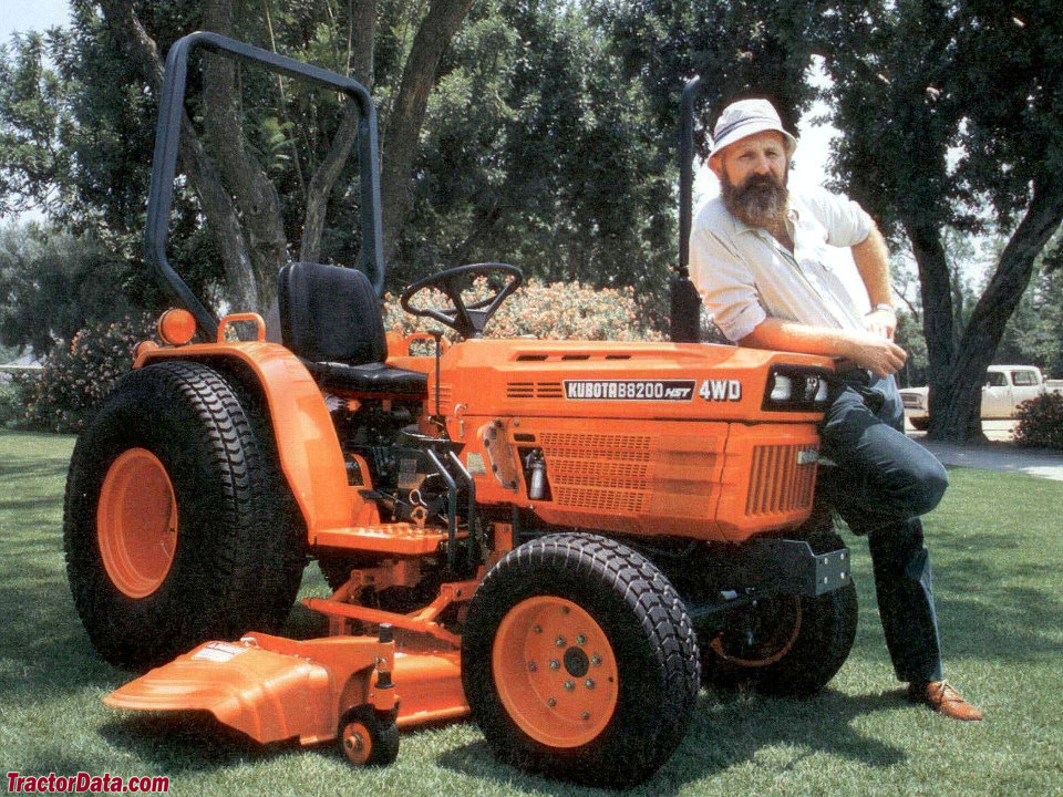 Kubota B8200 advertising photo.