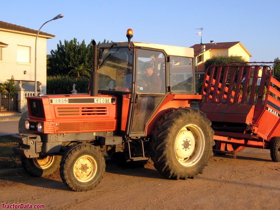 Kubota M6950