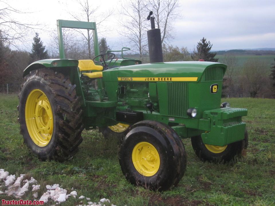 John Deere 3130LS.