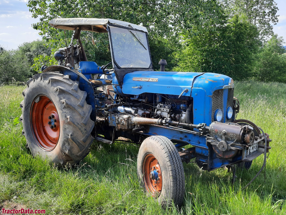 Fordson Super Major with GMC winch.