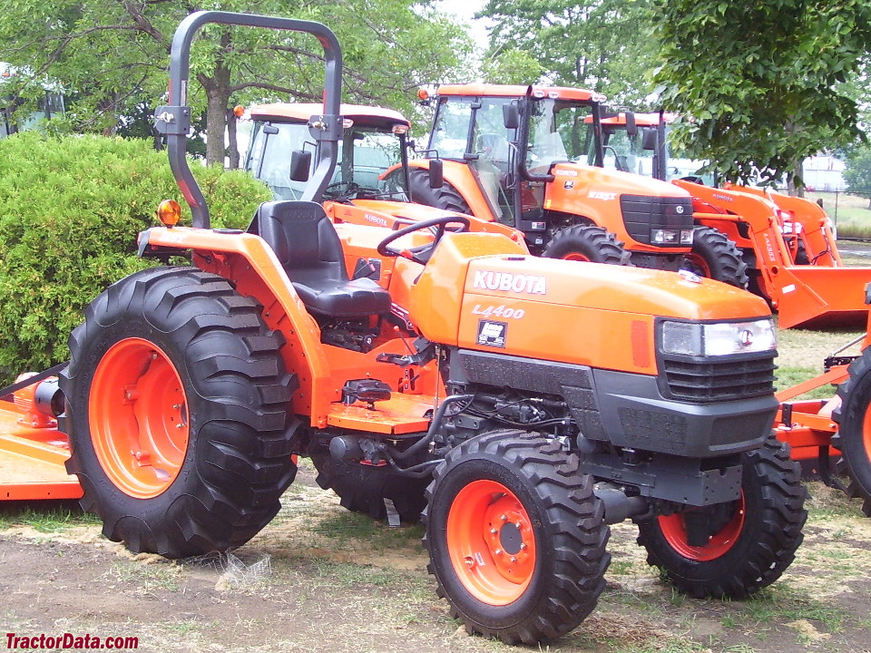Right-side view of the Kubota L4400 tractor.