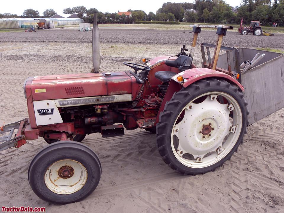 International Harvester 383