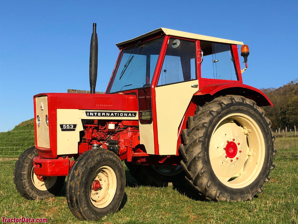International Harvester 553