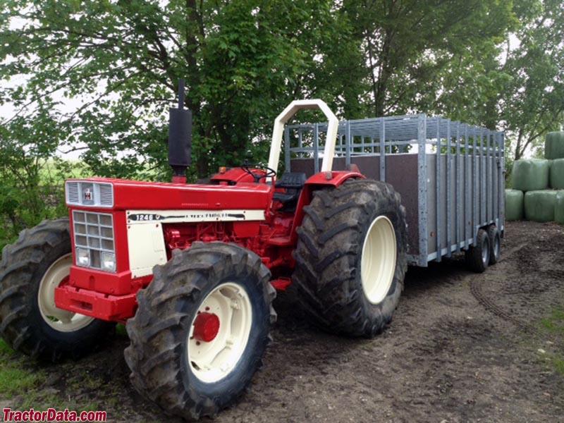International Harvester 1246