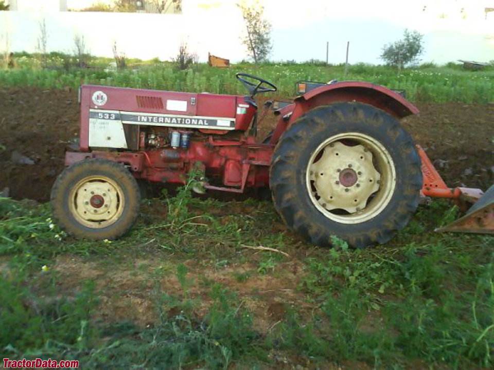 International Harvester 533