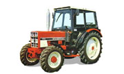 International Harvester 733 tractor photo