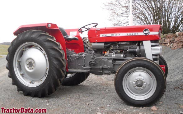 Massey Ferguson 148, right side