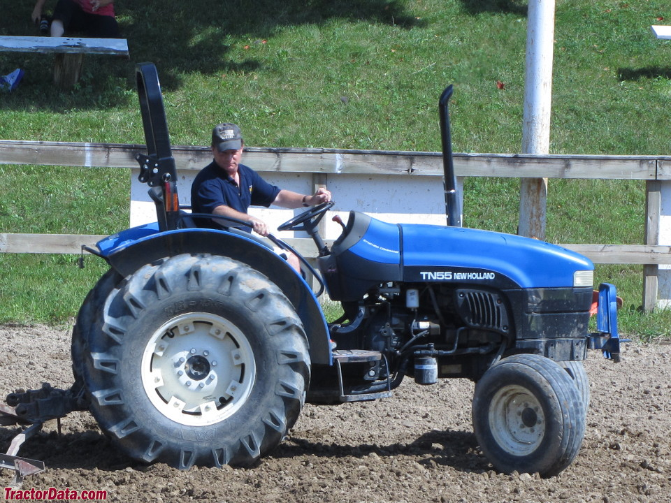 New Holland TN55, right profile