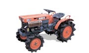Kubota B7000 tractor photo