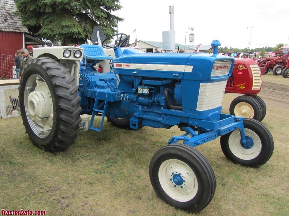 Ford 4000 row-crop (Ford 4200 diesel).