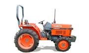 Kubota L3000 tractor photo