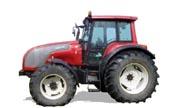 Valtra M130 tractor photo