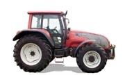 Valtra T140 tractor photo