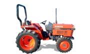Kubota L2600 tractor photo