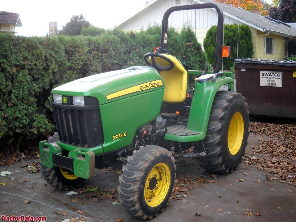 John Deere 3032E compact utility tractor.